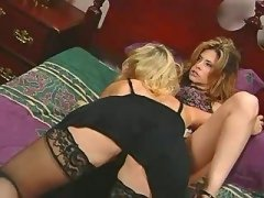 Wild lesbian hottie itching for sex